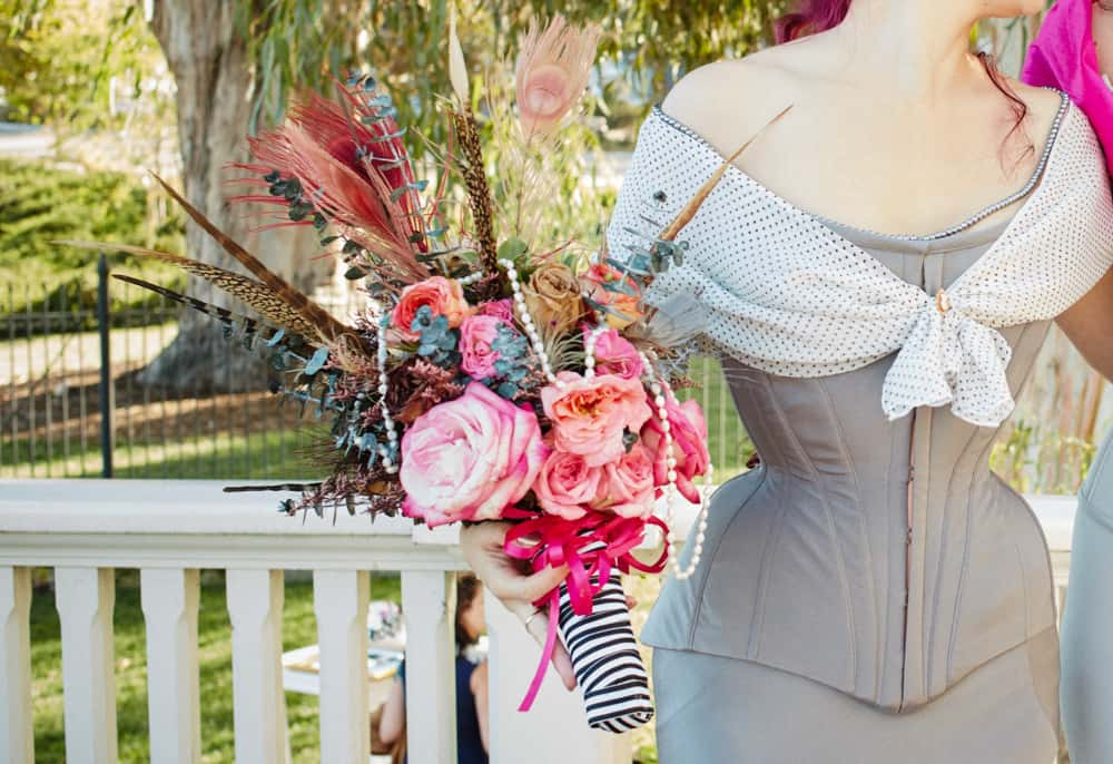 Best Corset That Hides Perfectly Under Clothing (8 Decisive Factors and 3 Recommendations)